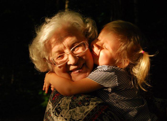 Il diritto di visita dei parenti: da interesse legittimo a diritto soggettivo condizionato, ma pur sempre direttamente non azionabile da parte dei nonni