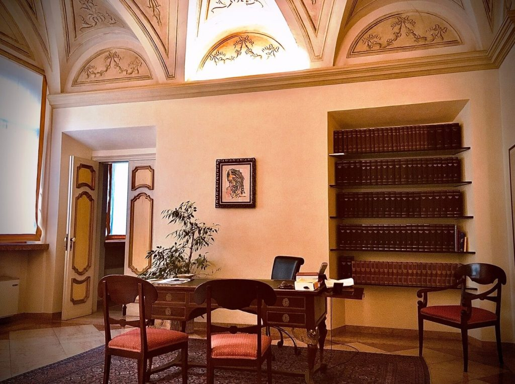 Room interior with alcove