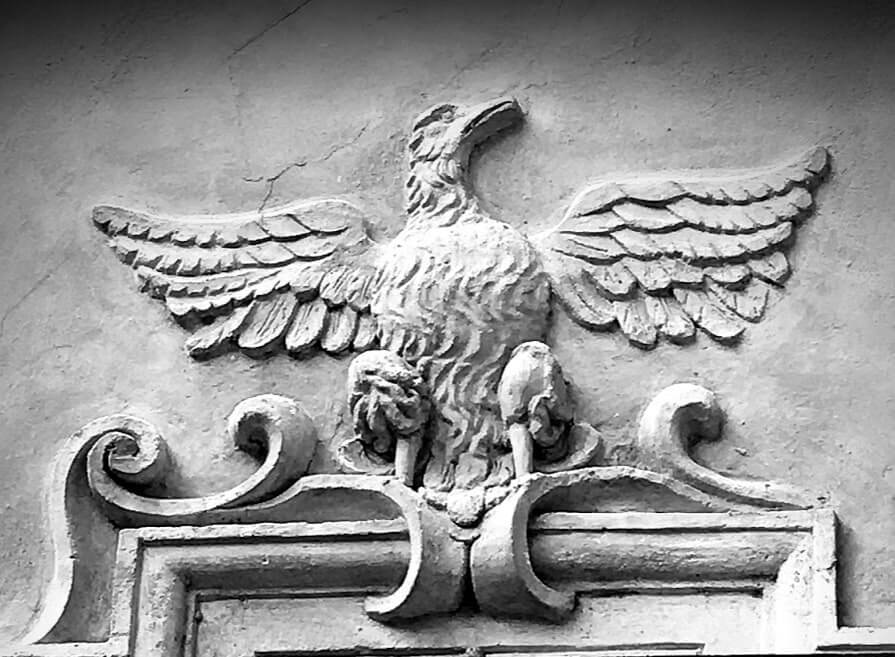 The heraldic figure of the eagle