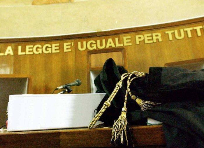 Nullità insanabile della sentenza pronunciata da un organo collegiale e sottoscritta da un magistrato che non componeva il collegio giudicante